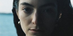 Lorde Stoned at the Nail Salon